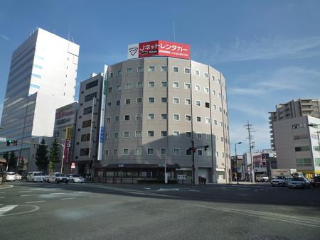 中区砂山 JR東海道本線「浜松」駅、南口から徒歩3分。日差しがさしこむお洒落な扇形のオフィス物件です。